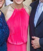 Vestido de madrina plisado de color rosado