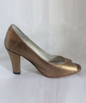 Zapato de novia taco alto dorado
