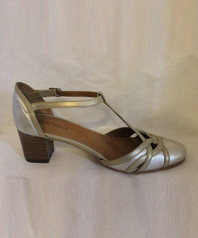 Zapatos de novia plateados y dorados