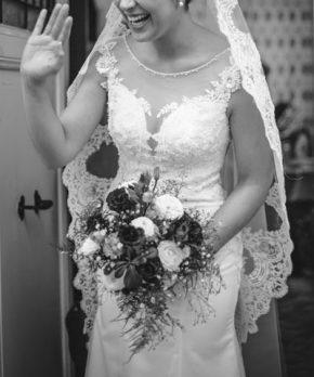 Novia con vestido escote de corazon