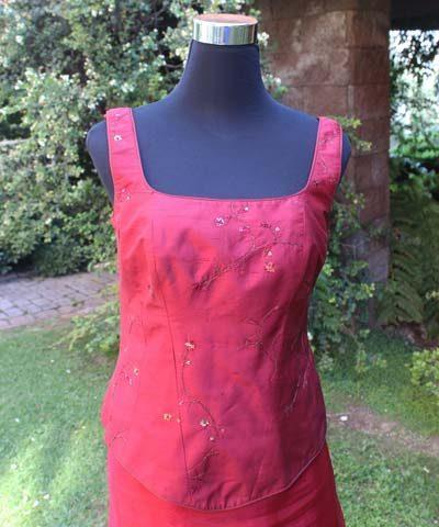 Vestido de madrina con escote cuadrado y dos piezas