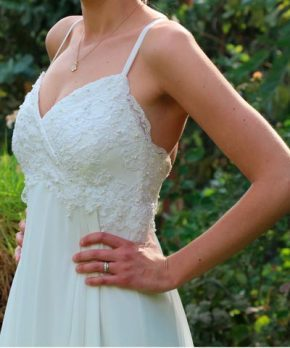 Top de vestido con escote en v y encaje