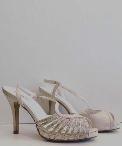 novia-zapatos-blanco
