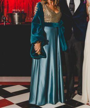 Vestido de madrina de seda hecho por Santa Clara