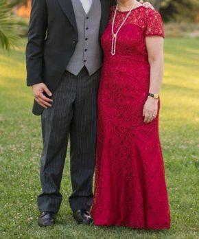 Vestido de madrina rojo ajustado JJ House