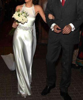 Vestido de novia de satin de seda con escote halter