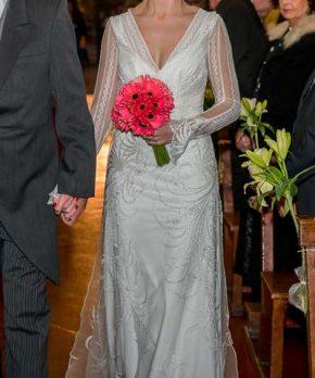 Vestido de encaje frances estilo vintage con escote en v