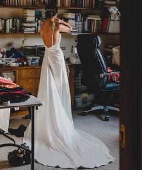 Vestido de novia usado de seda con espalda descubierta