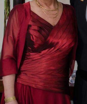 Vestido de madrina de raso drapeado