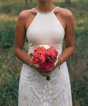 Vestido de novia usado con corte en la cintura y top liso