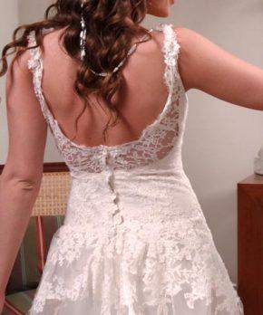 Vestido de novia usado con top de encaje frances y espalda en u