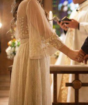 Vestido usado de novia marca Free People con delicados bordados