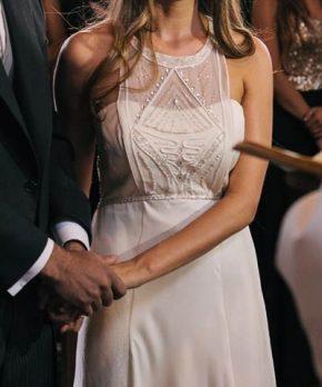 Vestido usado de novia con escote halter hecho por Francisca Larraín