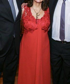 Vestido de madrina formal color rojo marca Las Adrianas