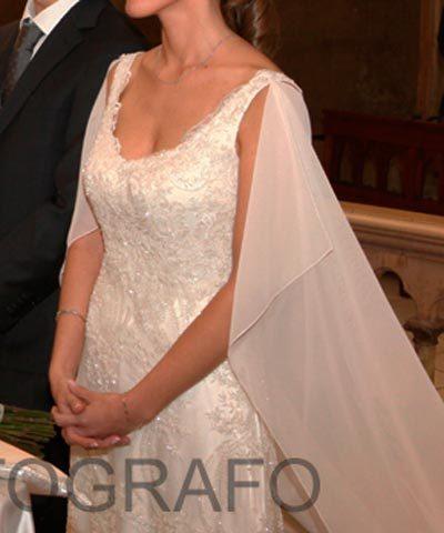 Vestido usado de novia bordado con cristales y piedras por Francisca Larraín