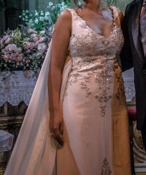 Vestido Usado hecho por Maria Luisa Vega novias de seda bordado a mano
