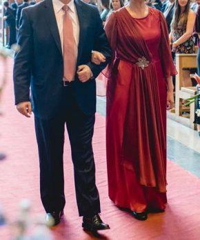 Vestido formal de madrina de crepe color rojo