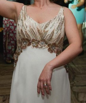 Vestido de novia Blanca Bonita con aplicaciones doradas y transparencias