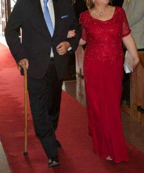 Vestido formal de madrina color rojo italiano