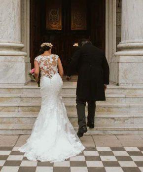 Vestido de novia Allure Bridals con encaje y corte sirena