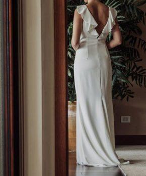 Vestido de novia NUEVO escote halter y espalda con vuelos