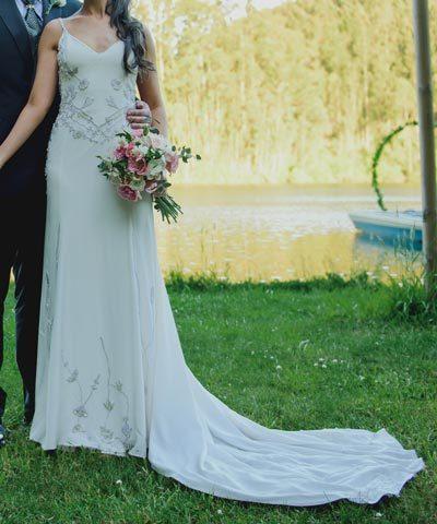 Vestido Maria Luisa Vega novias con pedrería y transparencias
