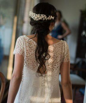 Vestido de crepe de seda con top de encaje francés