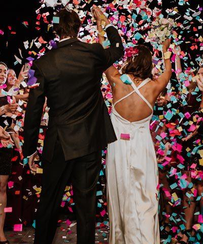 Vestido de novia de seda con espalda abierta
