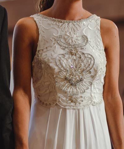 Vestido de novia de seda hecho por Francisca Larraín y Camila Urbina