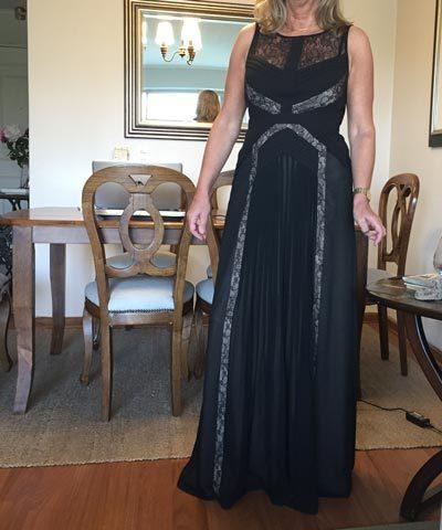 Vestido de madrina negro con encaje