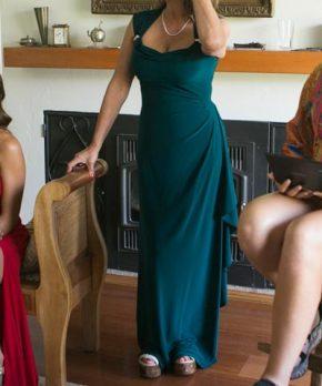Vestido formal de madrina en venta color verde olivo