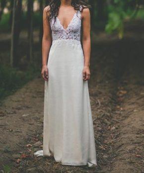 Vestido usado de novia de encaje y seda marca Francisca Larraín