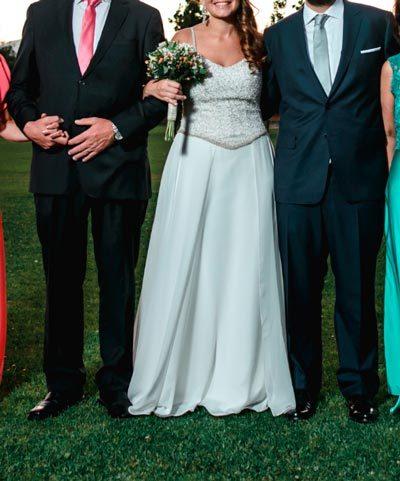 Vestido Oui novias en venta de pedrería y gasa