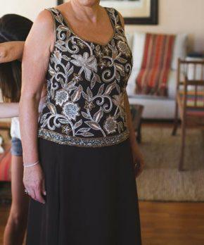 Vestido de madrina con pedrería de la Fran Larraín