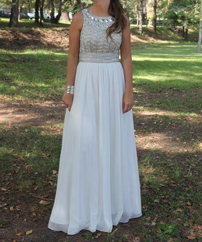vestido de novia con pechera de pedrería comprado en luz edwards