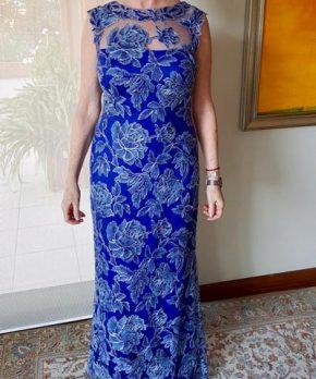 Vestido de madrina de encaje azulino