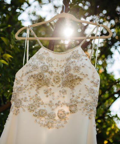 Vestido de novia bordado a mano por Francisca Larraín