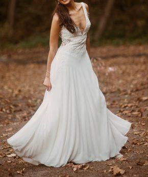 Vestido de novia de gasa con aplicaciones Iván Pilkmann