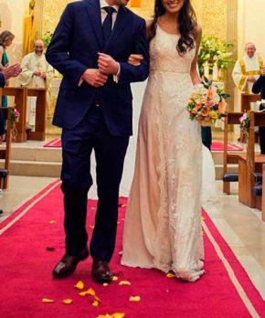 Vestido de novia de encaje hecho por Francisca Larraín