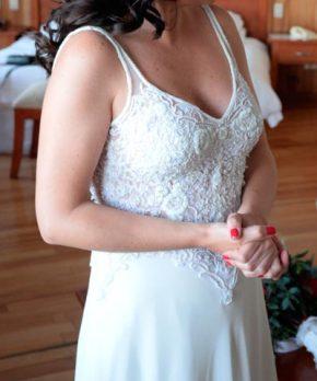 Vestido de novia de encaje y pedrería MLV