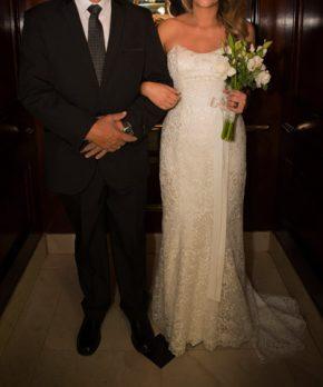 Vestido de novia de encaje ajustado