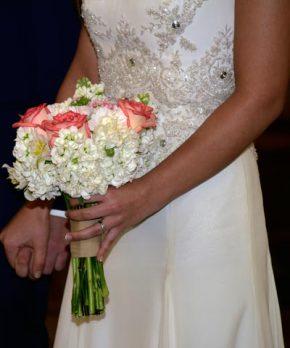 Vestido de novia de seda marca Francisca Chicioada