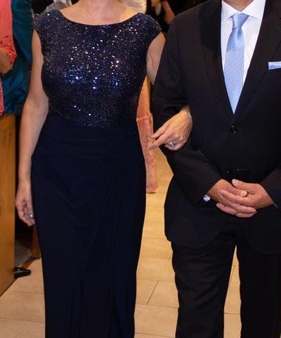 Vestido Ralph Lauren de madrina color azul marino con pedrería ... c49a497c4a6
