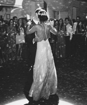 Vestido Camila Urbina de seda y encaje