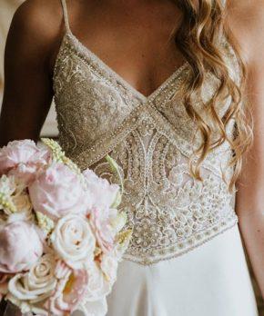 Vestido bordado a mano por MLV novias