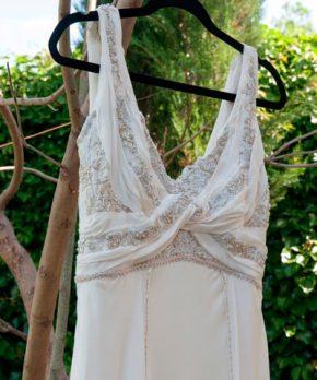 Vestido de novia de gasa con bordados a mano