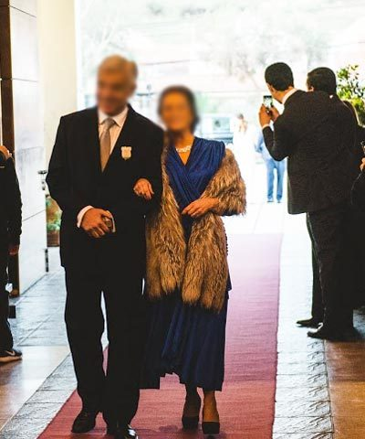 Vestido de madrina de seda azulino