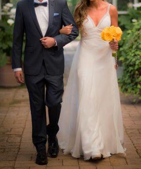 Vestido de novia con detalles de pedrería en venta