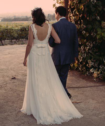 Femenino vestido de novia hecho por Nelly Bravo