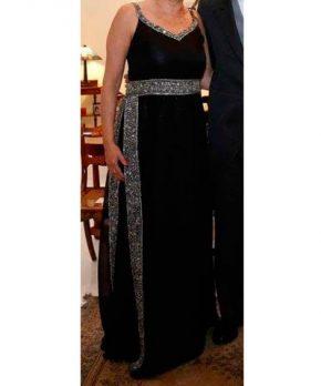 Vestido de madrina negro marca Allegra